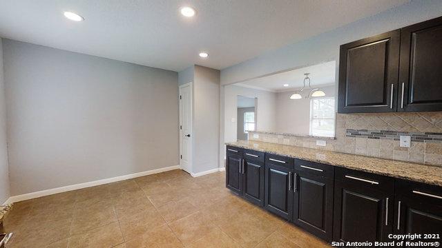 Price Change   2672 W SUMMIT AVE San Antonio, TX 78228 17
