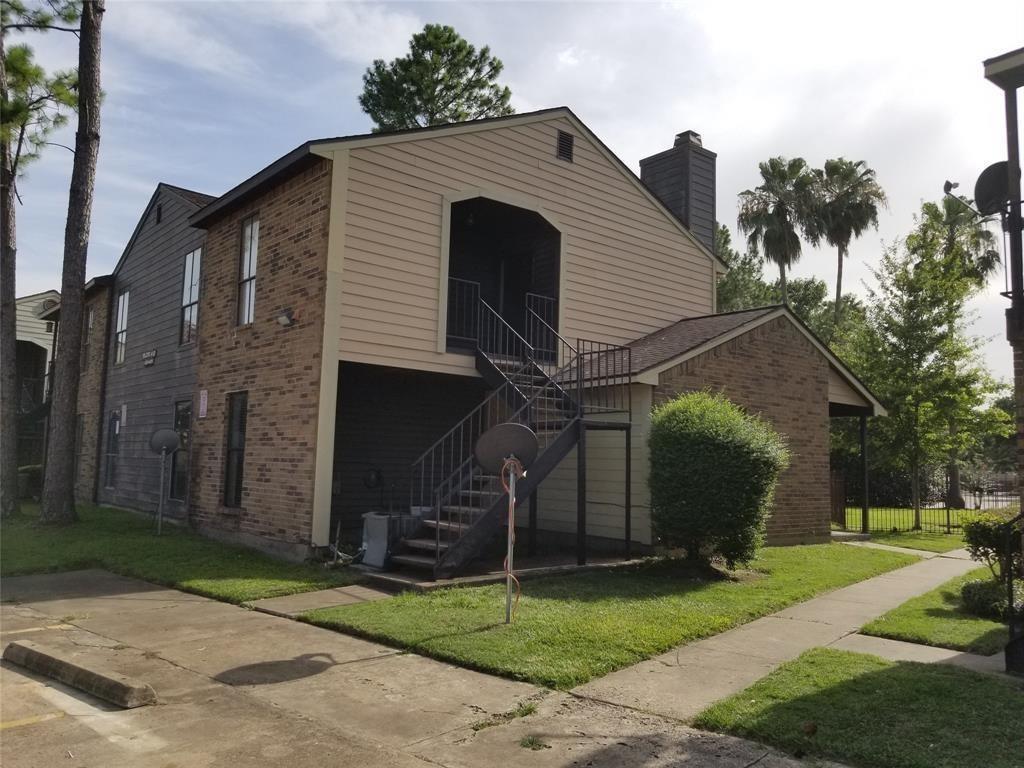 Option Pending | 7200 T C Jester Boulevard #4 Houston, Texas 77088 2