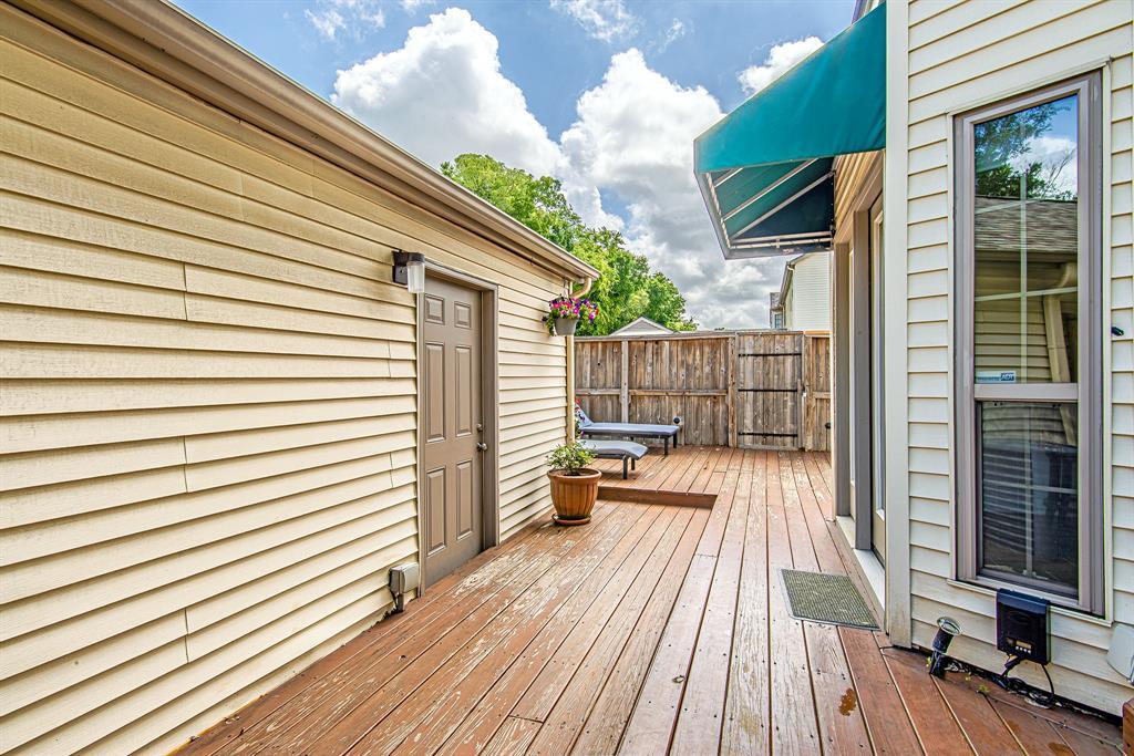 Pending | 3300 Bellefontaine Street #18 Houston, Texas 77025 13