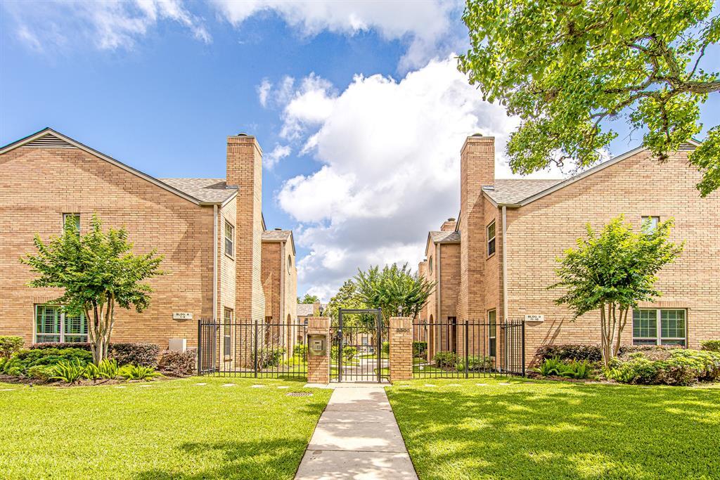 Pending | 3300 Bellefontaine Street #18 Houston, Texas 77025 16