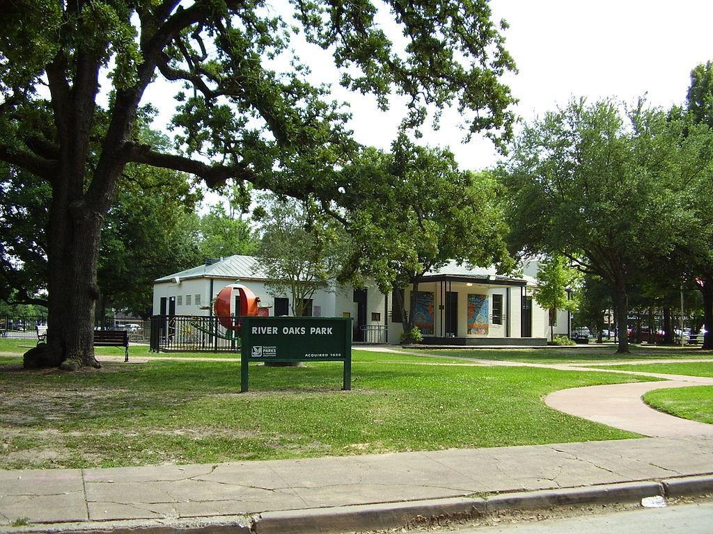 Active | 3239 Avalon Place Houston, Texas 77019 5