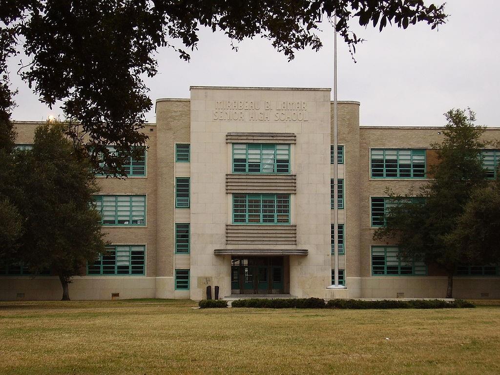 Active | 3239 Avalon Place Houston, Texas 77019 6