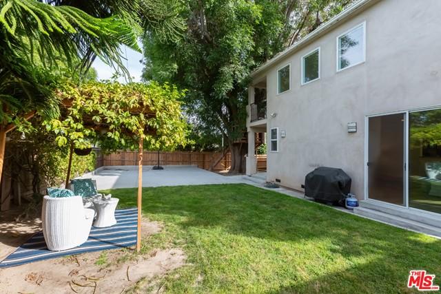 Active | 8726 Bleriot Avenue Los Angeles, CA 90045 20