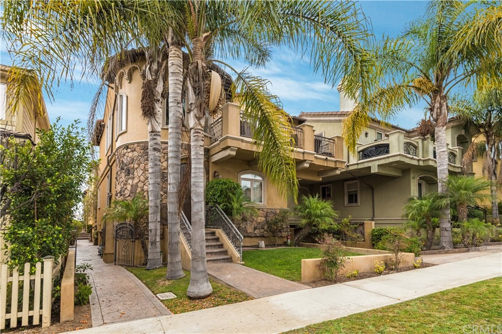 Off Market | 239 S Irena Avenue #B Redondo Beach, CA 90277 3