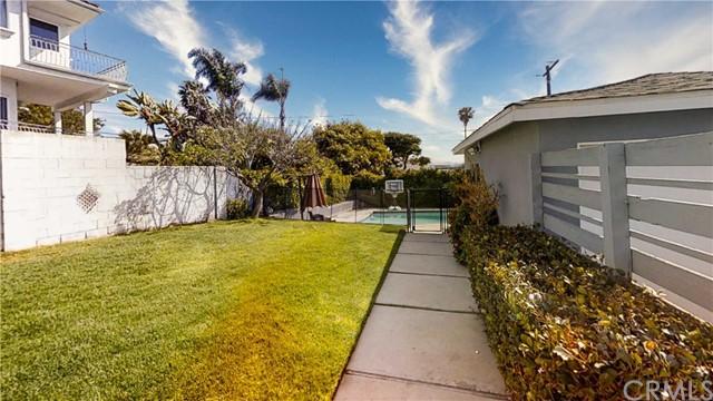 Closed | 310 Avenue F Redondo Beach, CA 90277 24