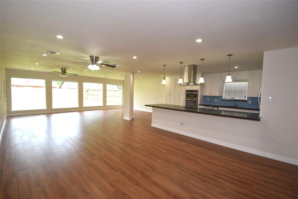 Active | 1406 Airline Drive Katy, Texas 77493 6