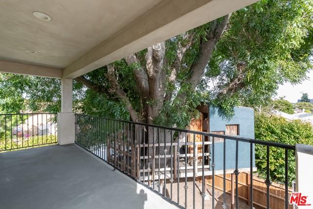 Active | 8726 Bleriot Avenue Los Angeles, CA 90045 14
