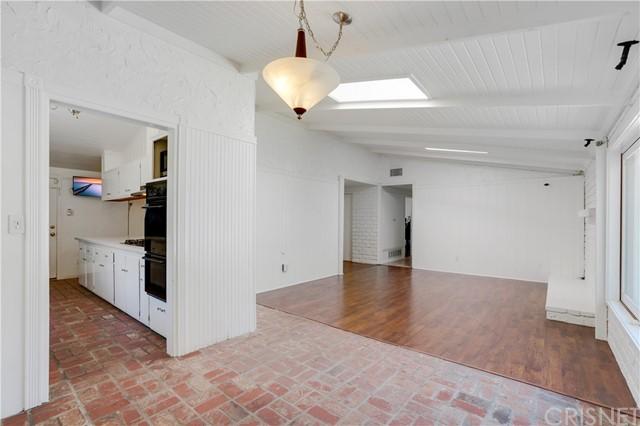 Closed | 20745 Clarendon Street Woodland Hills, CA 91367 3