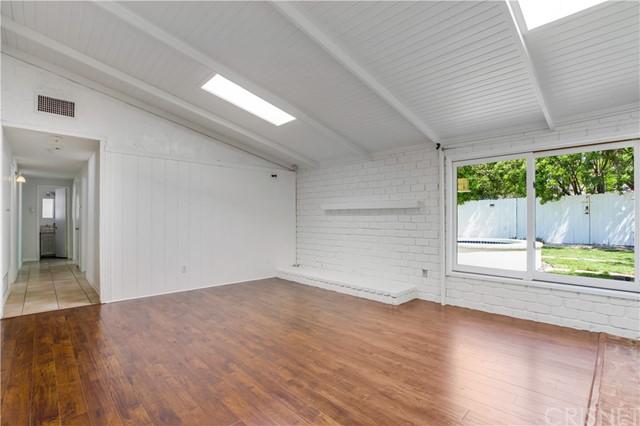 Closed | 20745 Clarendon Street Woodland Hills, CA 91367 9