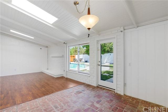 Closed | 20745 Clarendon Street Woodland Hills, CA 91367 10