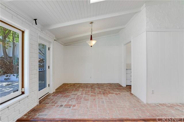 Closed | 20745 Clarendon Street Woodland Hills, CA 91367 11