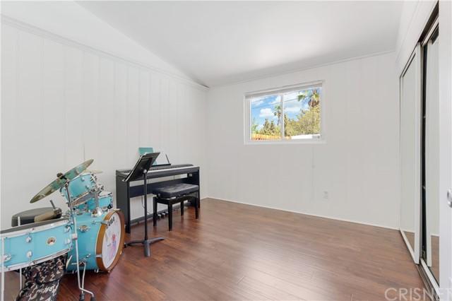 Closed | 20745 Clarendon Street Woodland Hills, CA 91367 21