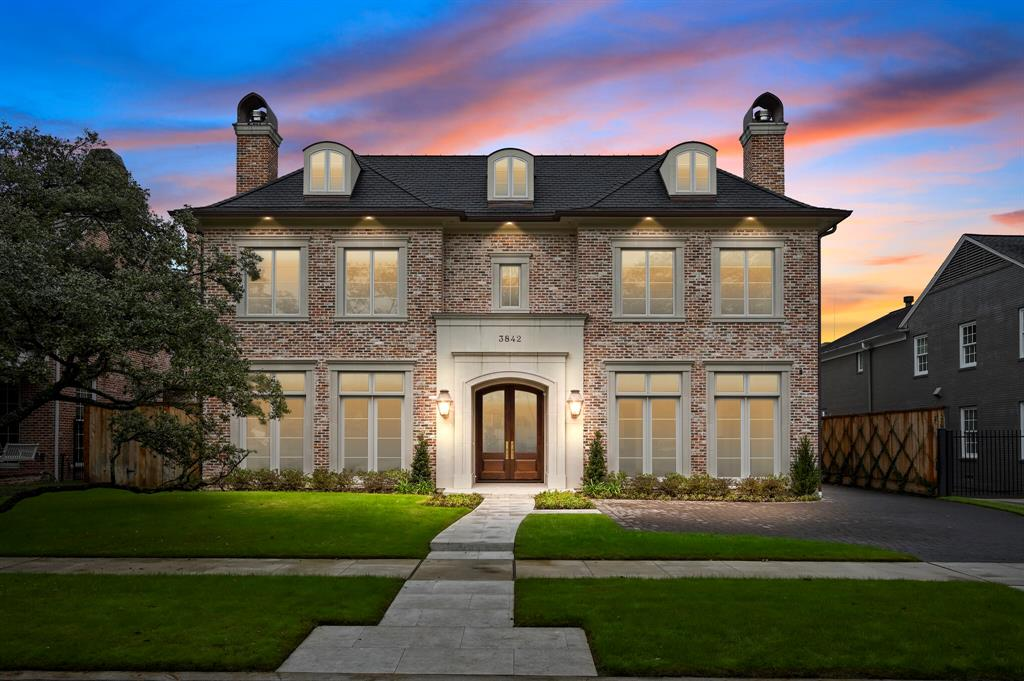 Active | 3842 Chevy Chase Drive Houston, Texas 77019 0