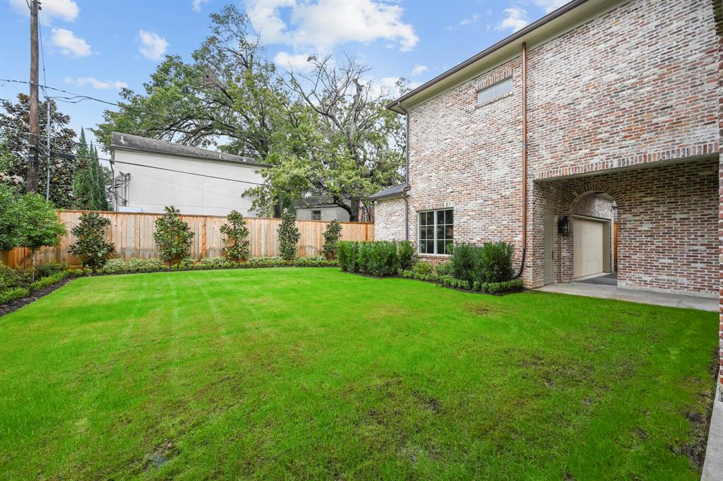 Active | 3842 Chevy Chase Drive Houston, Texas 77019 23
