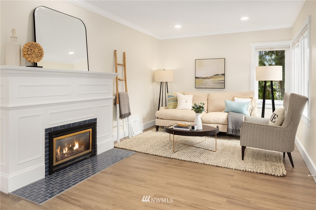 Sold Property | 910 N 78th Street Seattle, WA 98103 3