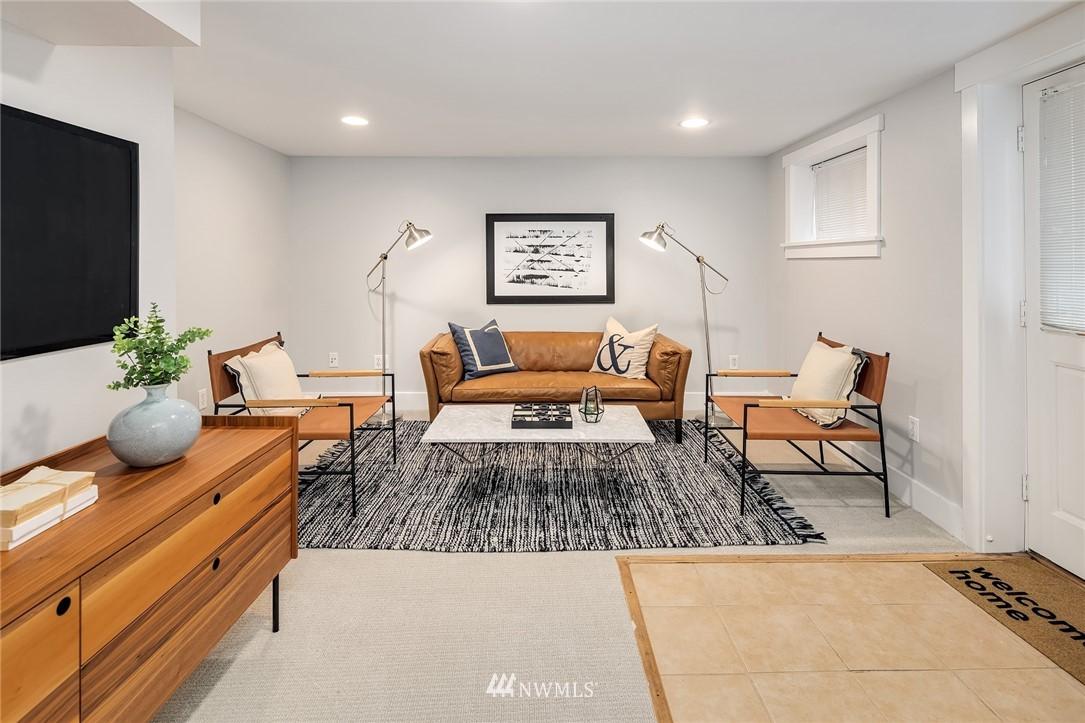 Sold Property | 910 N 78th Street Seattle, WA 98103 17