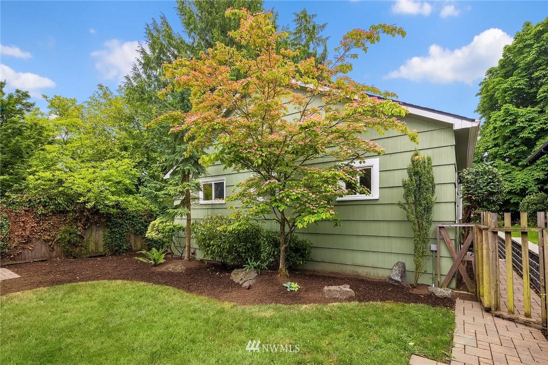 Sold Property | 910 N 78th Street Seattle, WA 98103 22