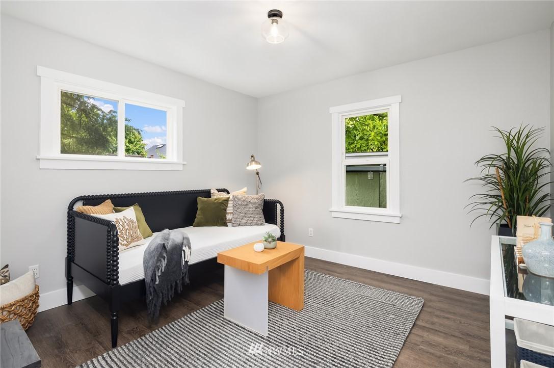 Sold Property | 910 N 78th Street Seattle, WA 98103 15