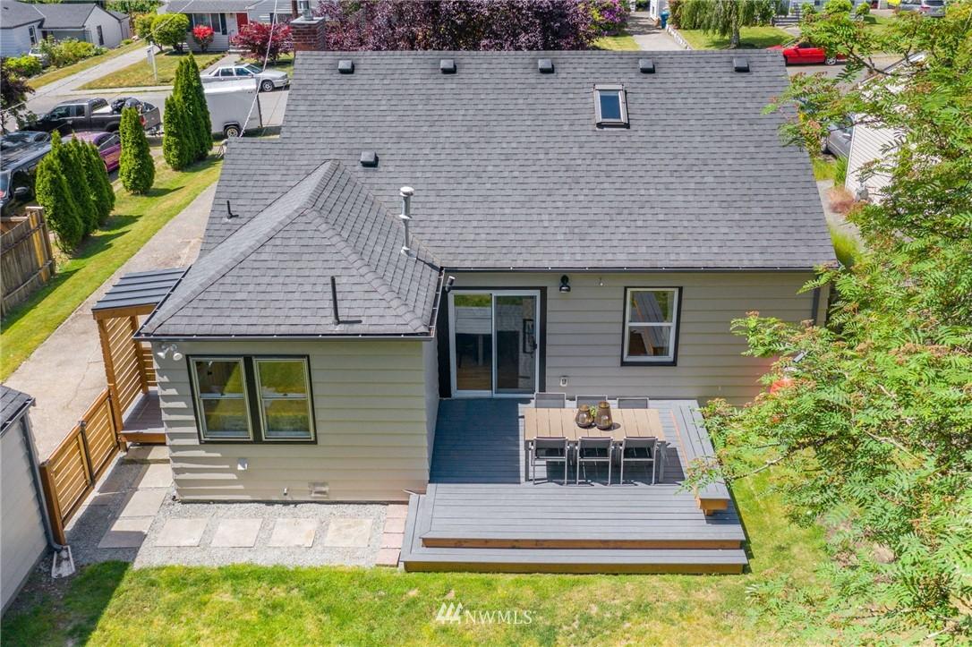 Pending | 11040 14th Avenue NE Seattle, WA 98125 22