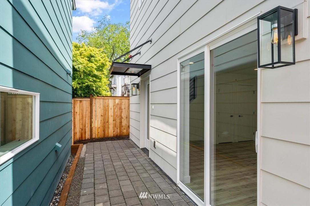 Sold Property | 10213 40th Avenue SW #B Seattle, WA 98146 2