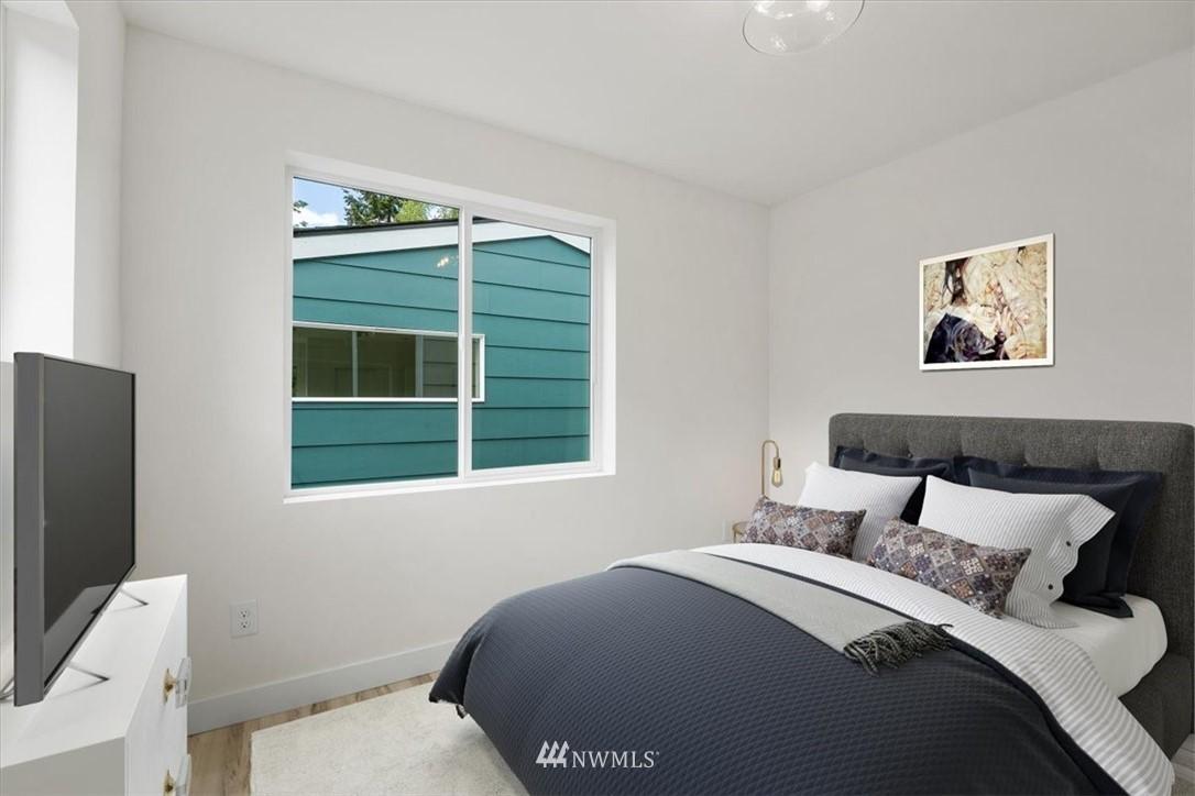 Sold Property | 10213 40th Avenue SW #B Seattle, WA 98146 11
