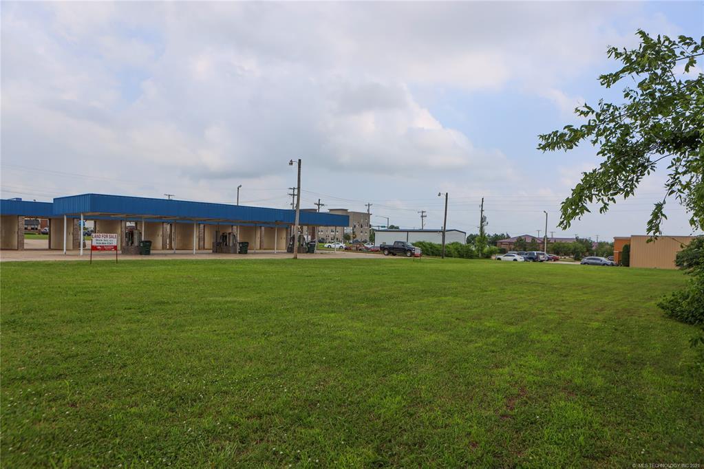 Active   1 E 19th Street Owasso, Oklahoma 74055 22