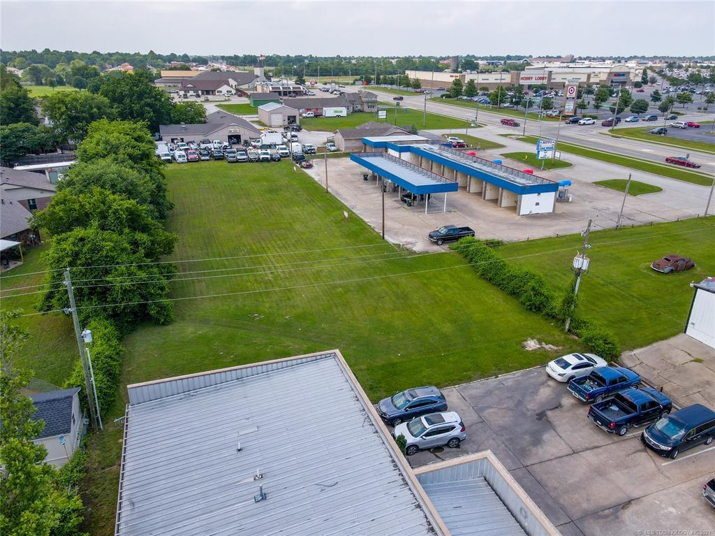 Active   1 E 19th Street Owasso, Oklahoma 74055 35
