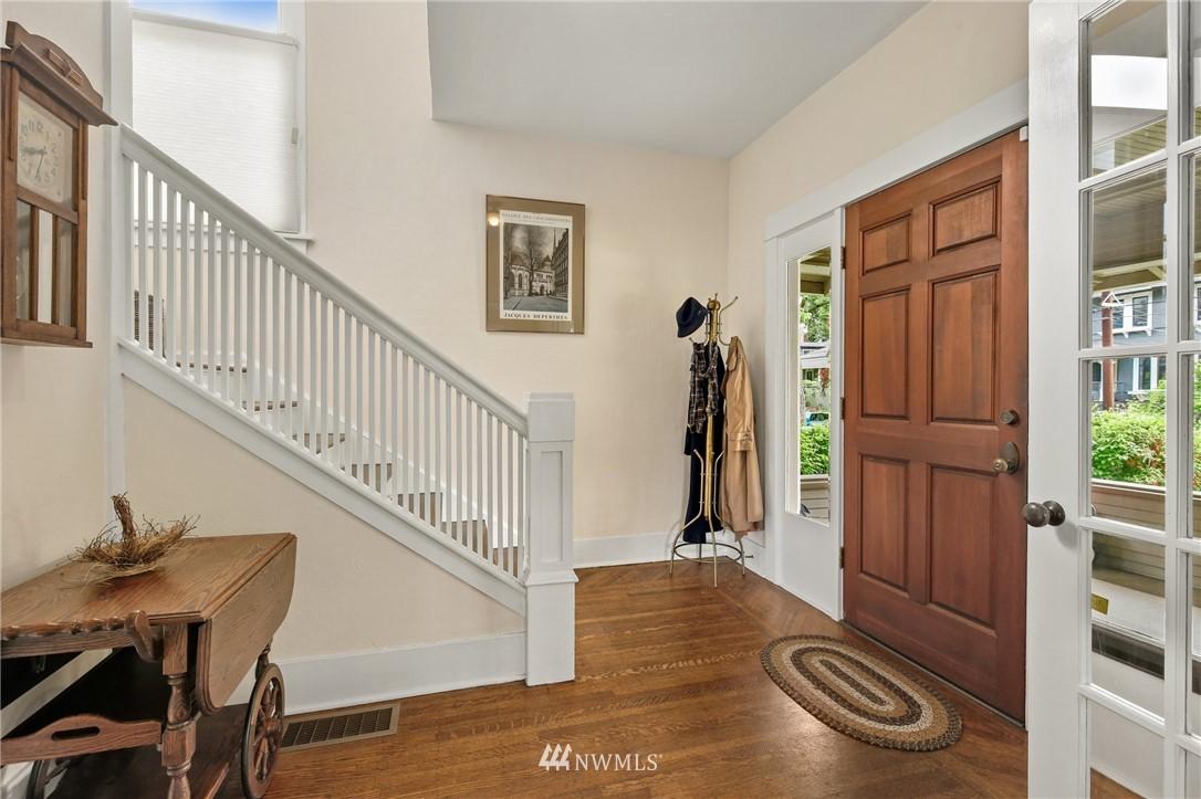 Sold Property   751 31st Avenue Seattle, WA 98122 4