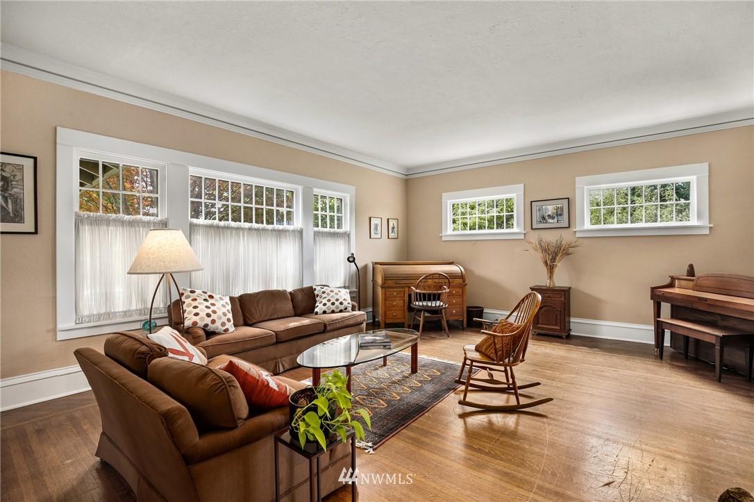 Sold Property   751 31st Avenue Seattle, WA 98122 6