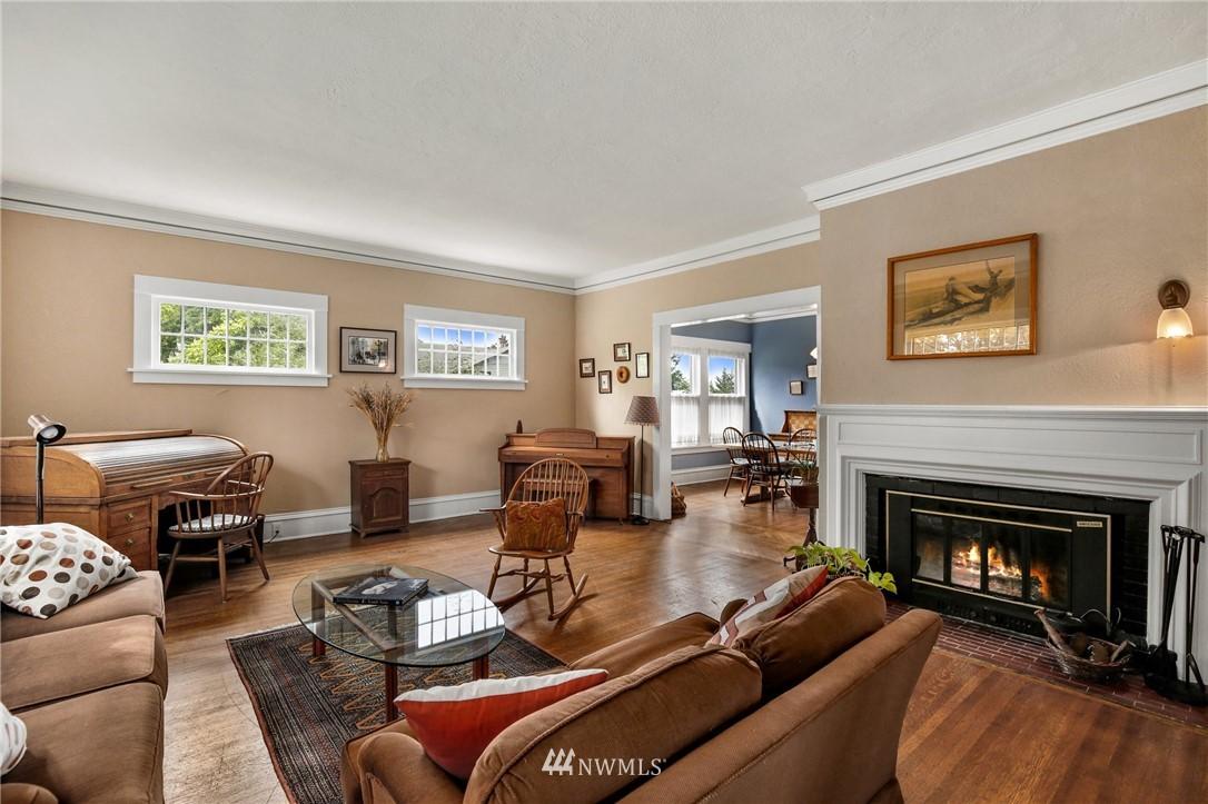 Sold Property   751 31st Avenue Seattle, WA 98122 8