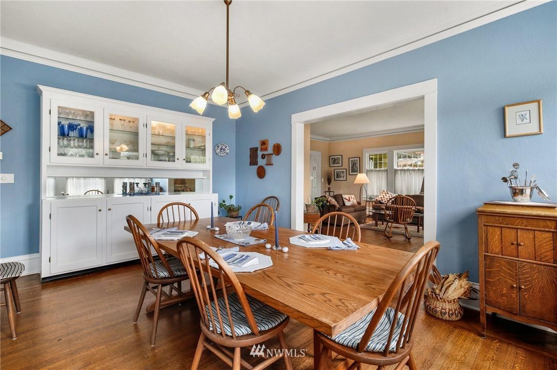 Sold Property   751 31st Avenue Seattle, WA 98122 9