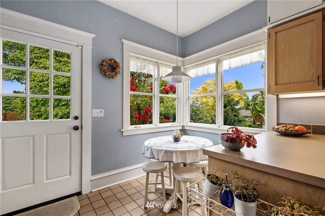 Sold Property   751 31st Avenue Seattle, WA 98122 14