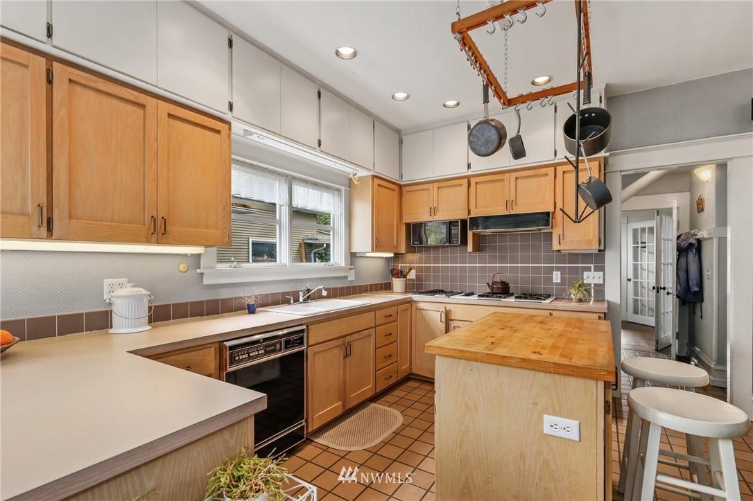 Sold Property   751 31st Avenue Seattle, WA 98122 19