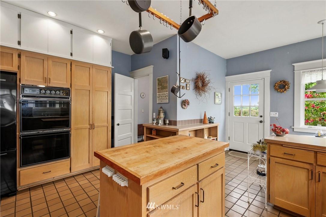 Sold Property   751 31st Avenue Seattle, WA 98122 20