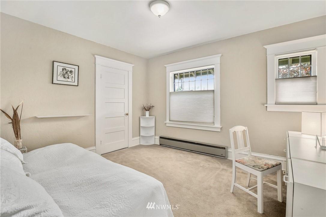 Sold Property   751 31st Avenue Seattle, WA 98122 24