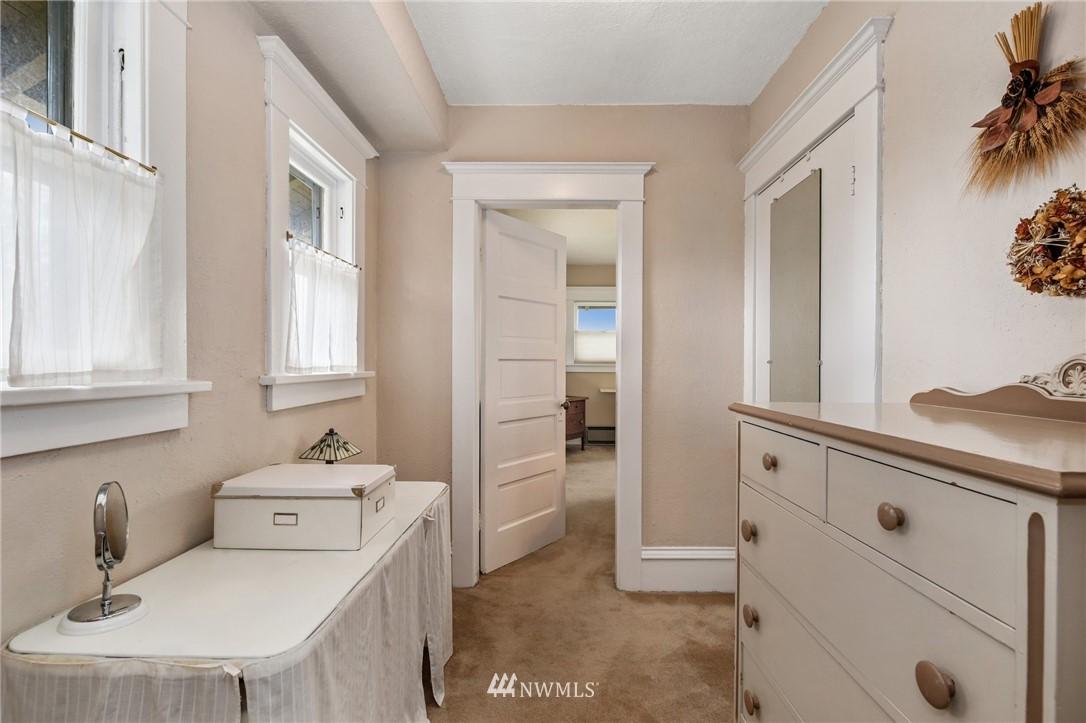 Sold Property   751 31st Avenue Seattle, WA 98122 27