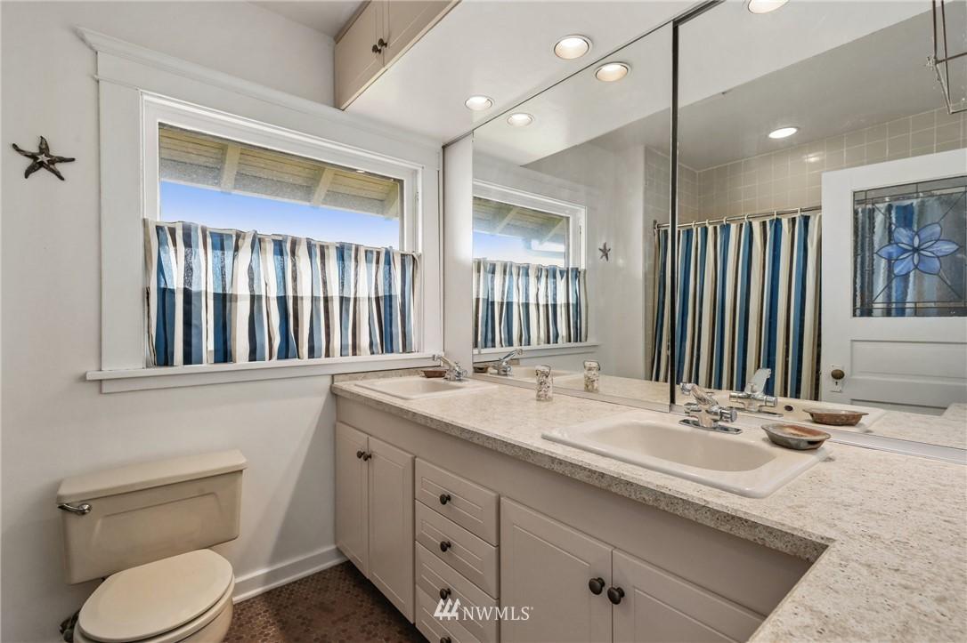 Sold Property   751 31st Avenue Seattle, WA 98122 30