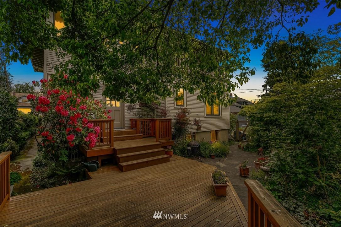 Sold Property   751 31st Avenue Seattle, WA 98122 37
