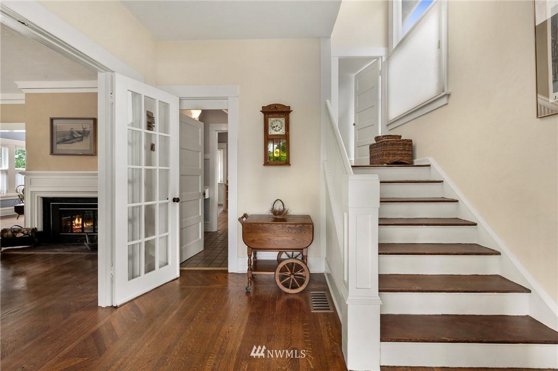Sold Property   751 31st Avenue Seattle, WA 98122 5