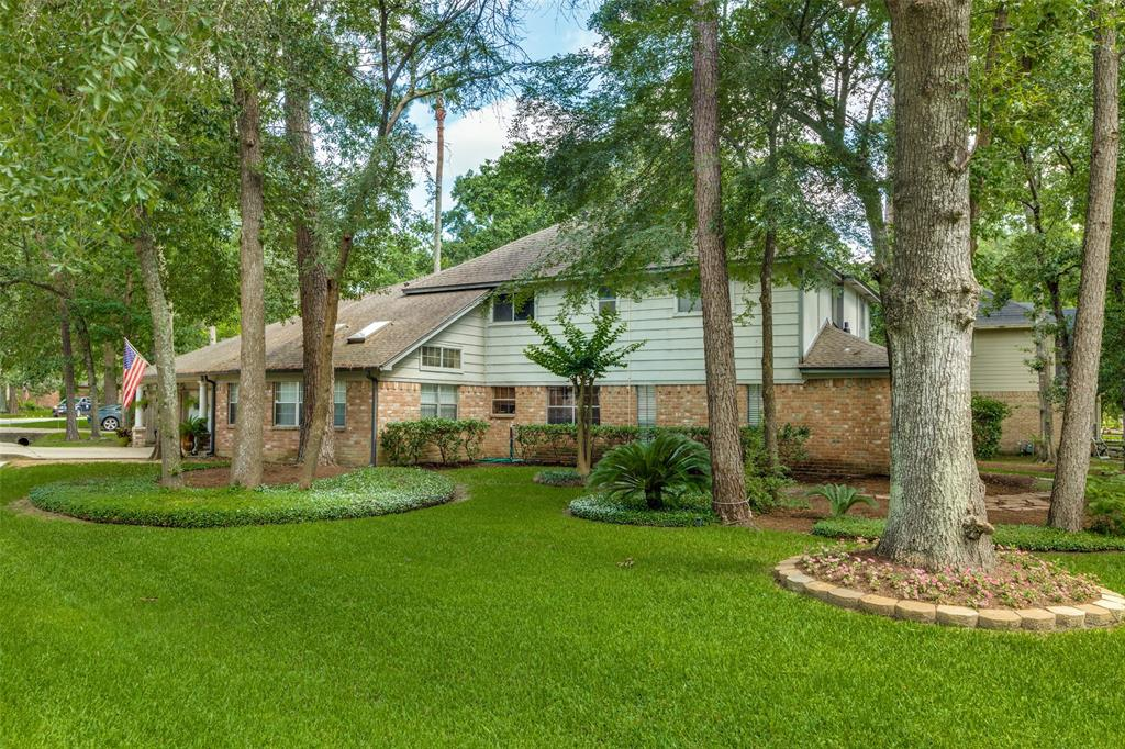 Off Market   7 Tangle Brush Drive The Woodlands, Texas 77381 1