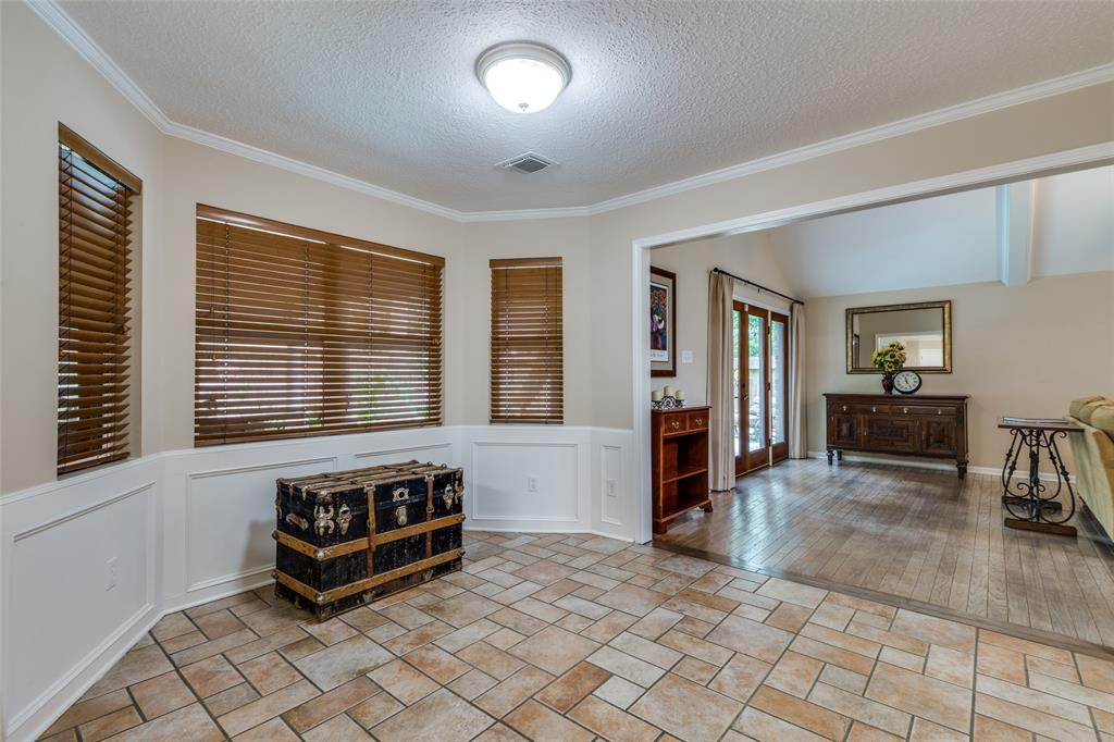 Off Market   7 Tangle Brush Drive The Woodlands, Texas 77381 12