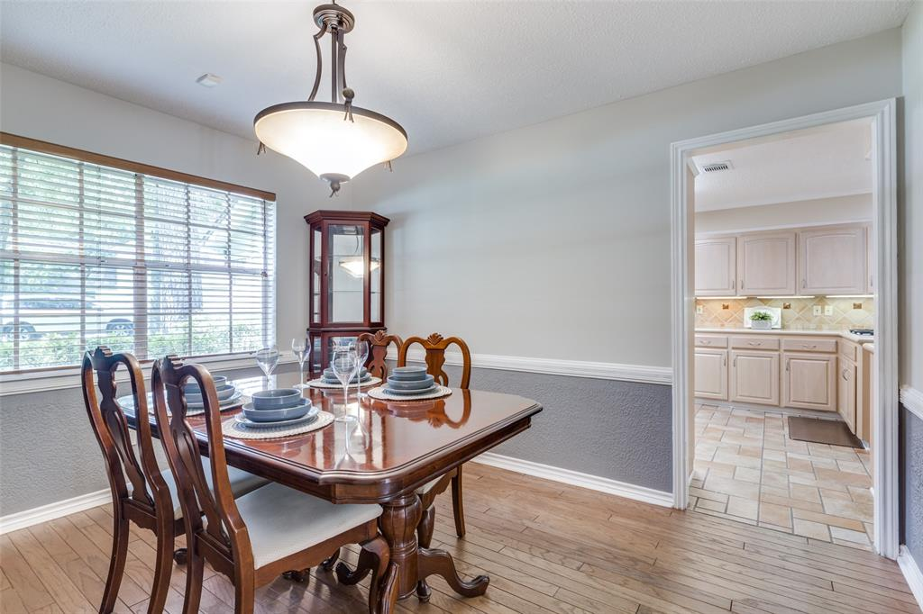 Off Market   7 Tangle Brush Drive The Woodlands, Texas 77381 20