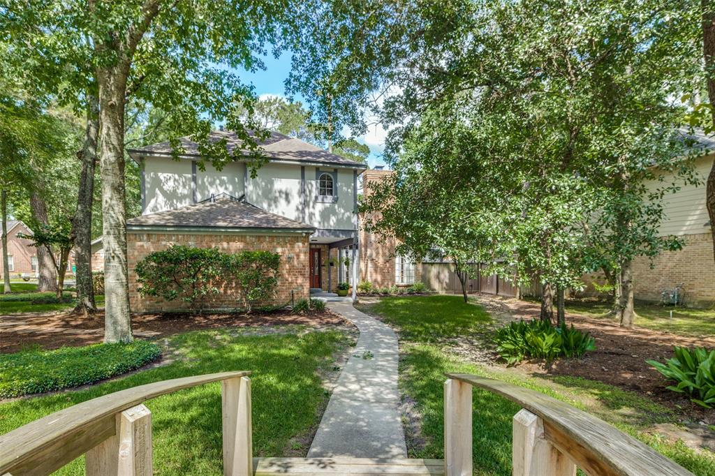 Off Market   7 Tangle Brush Drive The Woodlands, Texas 77381 3