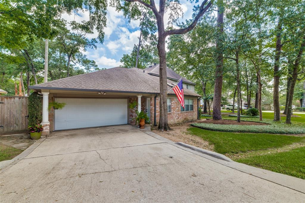 Off Market   7 Tangle Brush Drive The Woodlands, Texas 77381 4