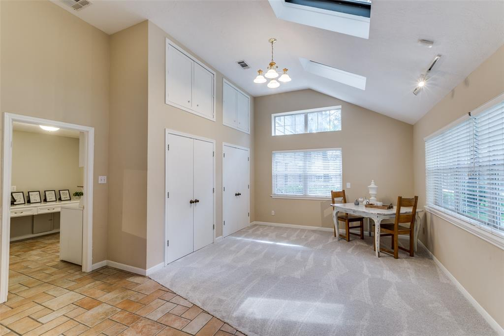Off Market   7 Tangle Brush Drive The Woodlands, Texas 77381 5