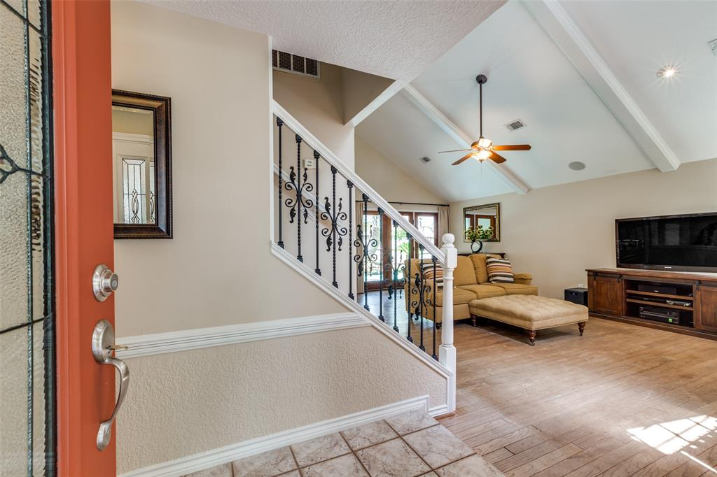 Off Market   7 Tangle Brush Drive The Woodlands, Texas 77381 7