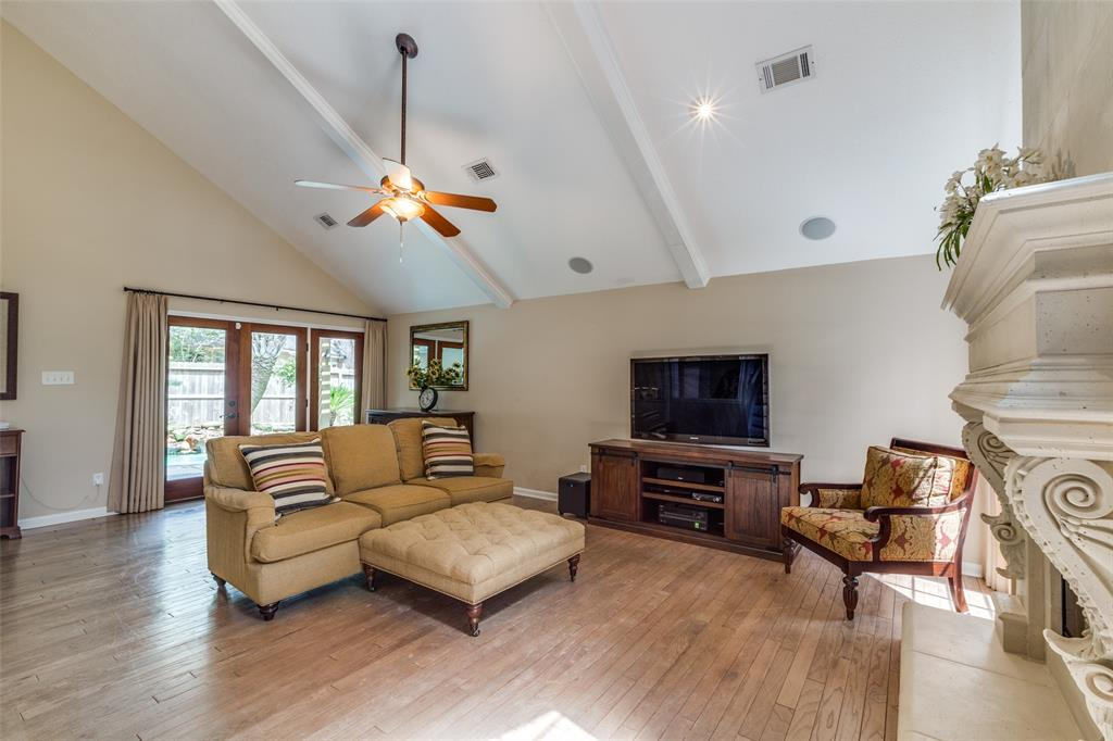 Off Market   7 Tangle Brush Drive The Woodlands, Texas 77381 8