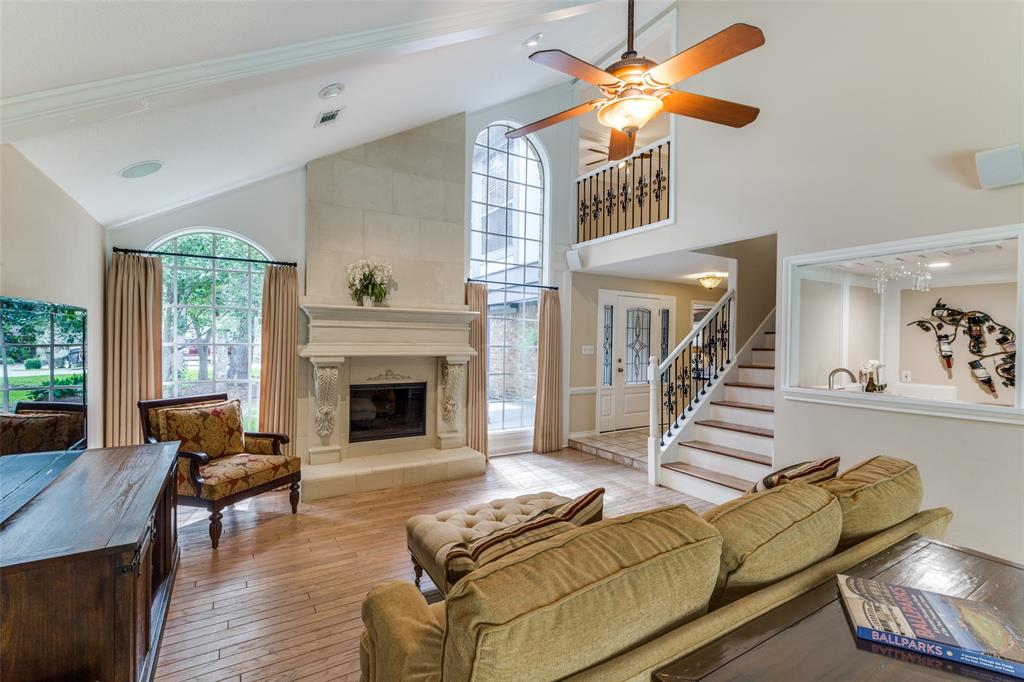 Off Market   7 Tangle Brush Drive The Woodlands, Texas 77381 9