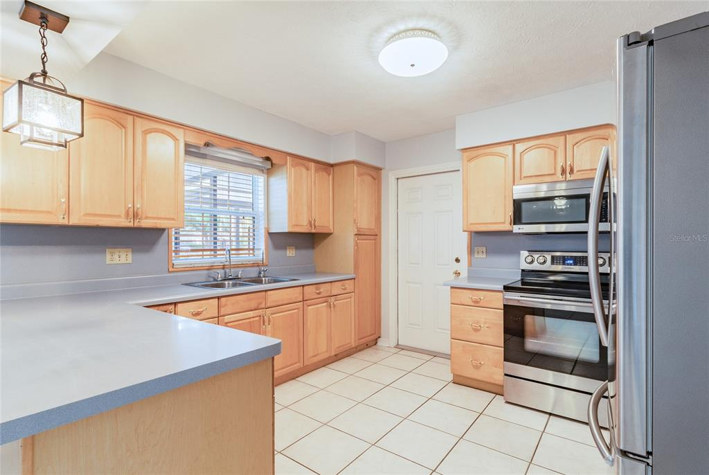 Pending   6814 PROVIDENCE ROAD RIVERVIEW, FL 33578 14