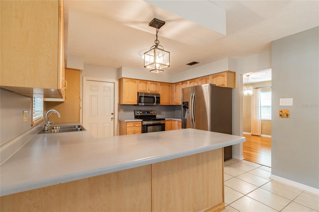 Pending   6814 PROVIDENCE ROAD RIVERVIEW, FL 33578 15
